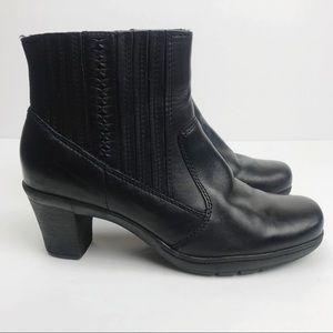 Clarks | Bendables Leather Comfort Bootie Sz 7